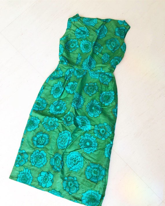 Classic Green 50s Silk Wiggle Dress