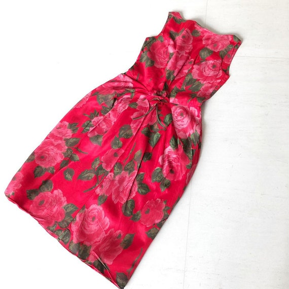 Stunning Rose Print Corsaged 50s Wiggle Dress