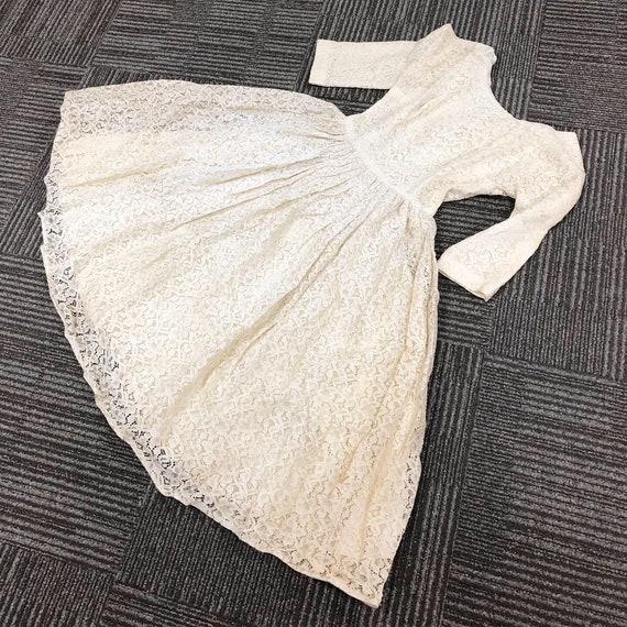 Pretty Full Lace 50s Dress