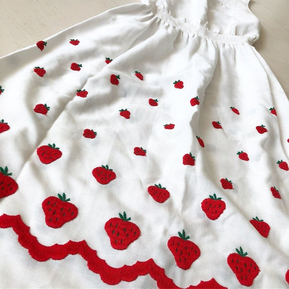 Pretty 1950s Strawberries Dress