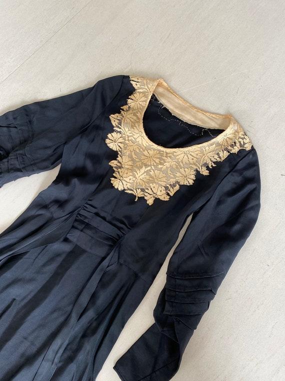 Timeless 40s Lace Yoke Dress