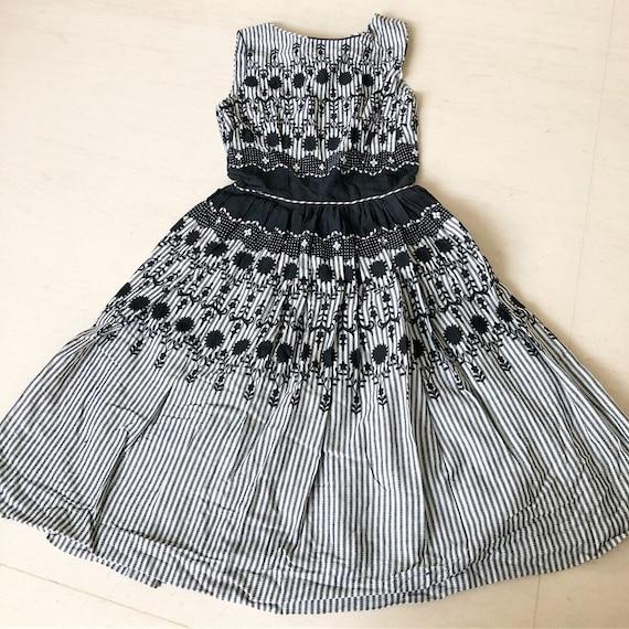 Beautiful 1950s Jonathan Logan black and white dre