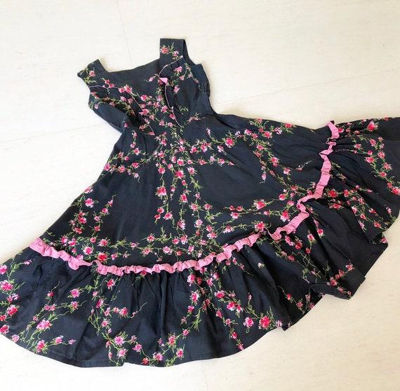 Pretty 1950s Floral Dress
