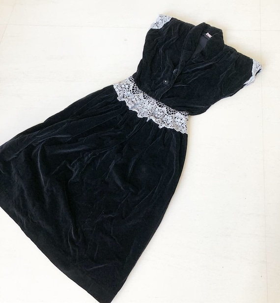 Elegant Black Velvet Lace Dress