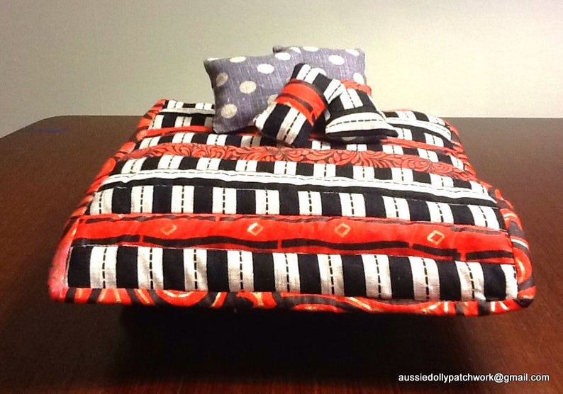 4 decorator cushions 112 scale Red /& Black Glamour Gold accents patchwork quilt