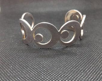 ba4fde5615dd7 vintage silver coloured bangle (newbridge silverware)