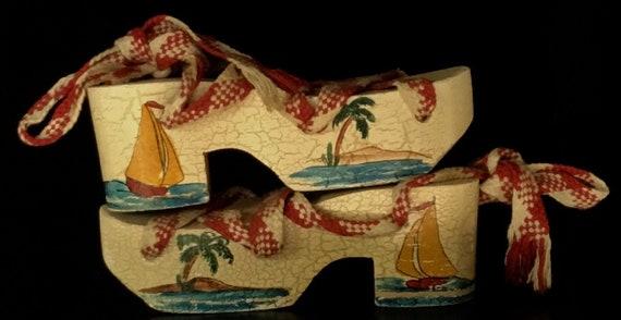 Vintage 1950s Souvenir Platform Shoes