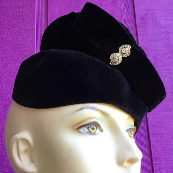 Vintage 1940s Ladies Hat with Pin