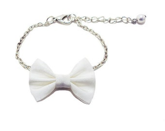 Strap bow tie, Satin fabric, white, silver plated chain.