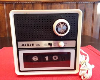 Vintage clock radio brand DIGIT model 282