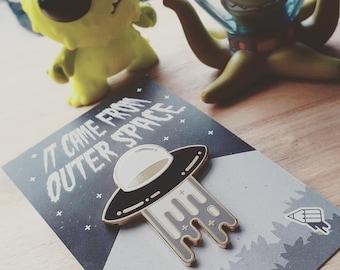 Pin Badge UFO Alien Space - Hard Enamel