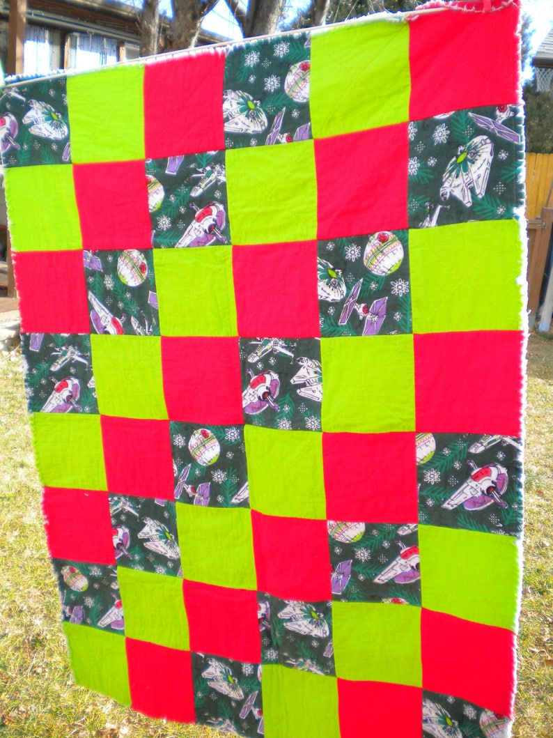 Flannel Rag Quilt Snowflake Spaceship ornaments Crib Blanket Christmas Star Wars Rag Quilt Ready to Ship Green Red Baby Shower Gift