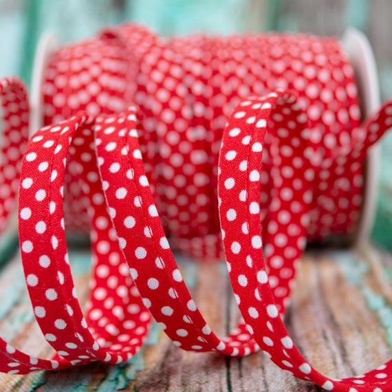 Piping stripe red with white dots, 1,09 yards per piece