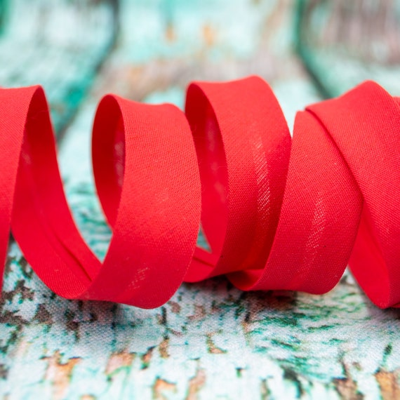 Bias binding red, 18mm, 1,09 yards = 1 meter per piece
