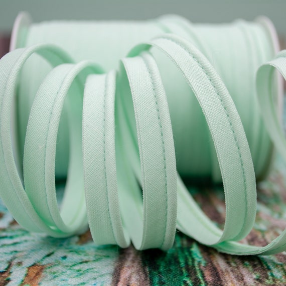 Piping stripe light mint, 1,09 yards per piece