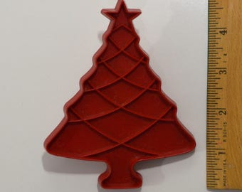 Vintage TUPPERWARE CHRISTMAS TREE Cookie Cutter | 1963 4 9/16""