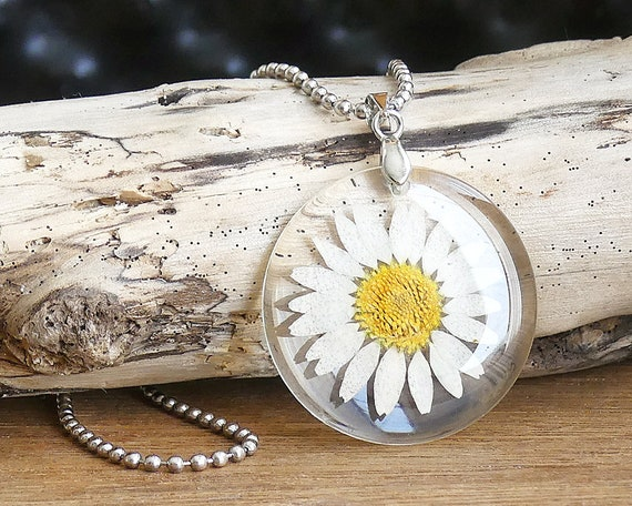 Floral Resin Jewellery Real Pressed Flower Necklace Glitter Daisy Necklace White Daisy Necklace Botanical Jewelry Gifts For Women