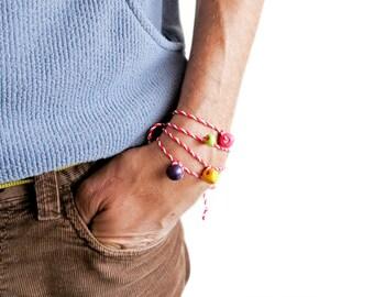 Martenitsa Bracelet. Martenica. Martenici. Martenichki. Martenicka. Bulgarian Martenitsa Bracelets. Red and White String Bracelet. Set of 10