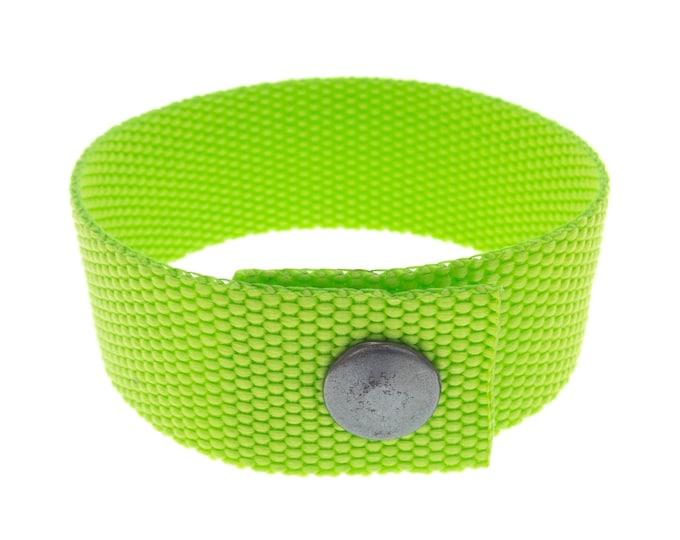 Strap Bracelet for Guys and Ladies, Friendship Polyester Stripe Buckle Jewellery, Plain Sports Yoga Style Wrap Bracelet, Unisex. 25 mm