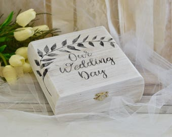 Custom Wedding keepsake box - wedding box - wedding gift - bridal box - bridal shower gift - bride gift
