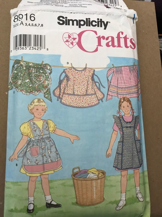 Simplicity 8916 Childs Apron Pattern, Several Pieces Neatly Cut, Most Uncut, Factory Folded, Child Sizes 3,4,5,6,7,8