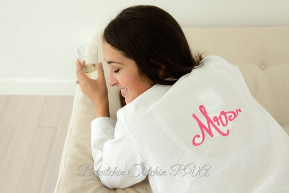 Personalized Seersucker Lounge Shirt, Bridesmaid Nightshirt, Seersucker Loungewear, Ladies Nightshirt, EllieO/LTC Brand, FREE SHIPPING