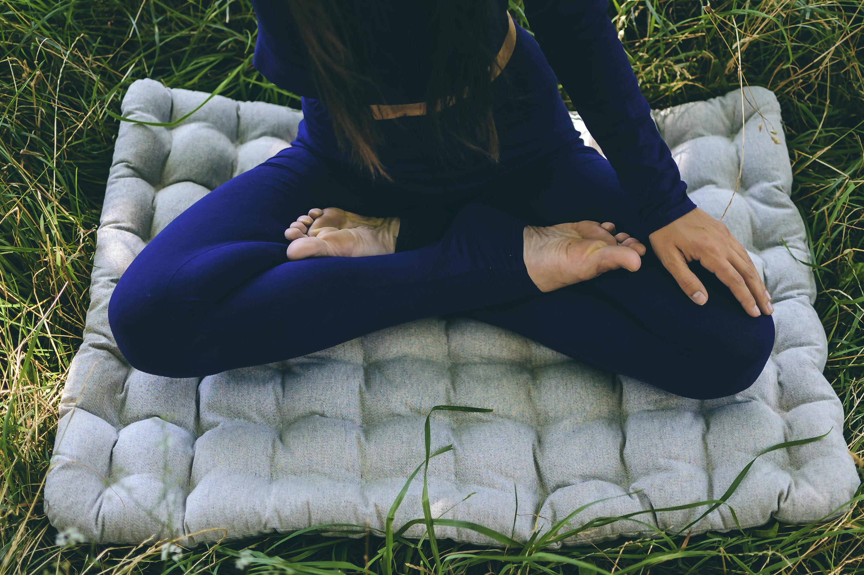 YogaStudio Coussin de yoga avec remplissage de sarrasin bio fabriqu/é /à la main en Europe