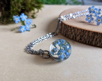 Forget me not necklace, Forget-me-not gift,Pressed flower necklace, Gift for remembrance, Memorial gift, Gift for grandmother