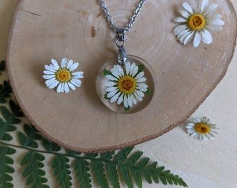 Pressed flower necklace, Daisy Pendant, Daisy Necklace, White Daisy, Pressed flower, Preserved Flower in Resin