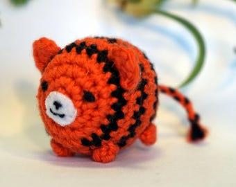tiger plushie keychain - crochet amigurumi