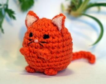 cat kitten plushie keychain - crochet amigurumi