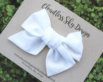 White bow / Girls hair bow / Hair bow / Big bow / Toddler hair bows / Oversize Bow / Easter bow / White hair bow / Bow for girls