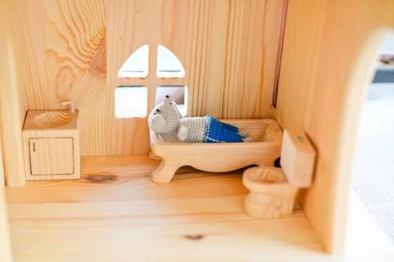 maison de poup e en bois baignoire lavabo wc mobilier etsy. Black Bedroom Furniture Sets. Home Design Ideas