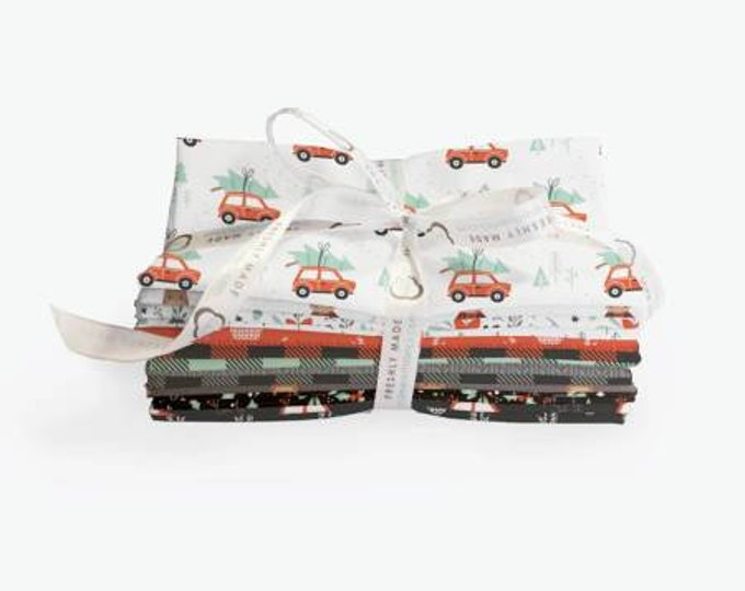 Reindeer Lodge Fat Quarter Bundle, 15 Pieces, Precut Cotton Quilting Fabric, Floral Fabric, Camelot Fabrics.