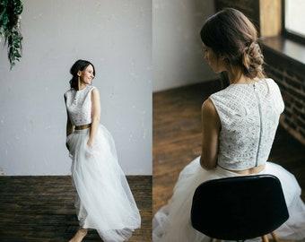 fa546279d3031 Bohemian modern wedding dress