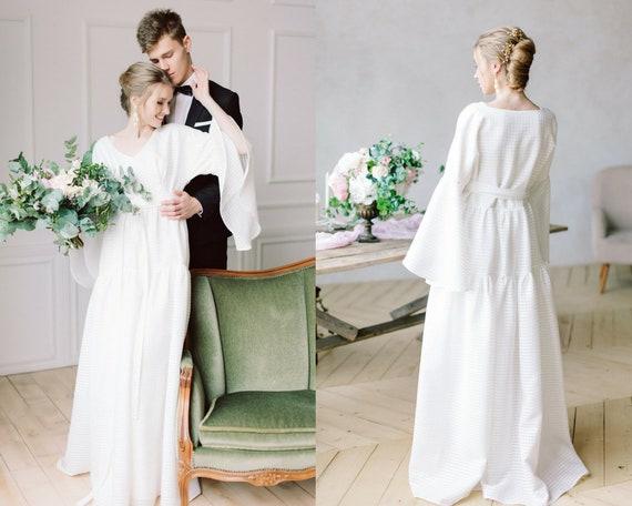 dress bell wedding long fall gown alternative simple or dress wedding sleeves rustic bride boho Bohemian winter wedding dress delicate fSYaqFF