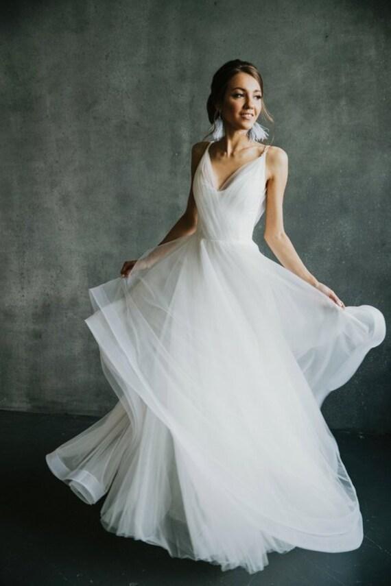 47025b2b984749 Offene Rückseite Hochzeitskleid schlichtes Brautkleid Strand   Etsy
