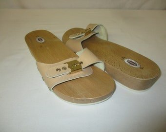 74164a5f7dfa Vintage Dr. Scholl s Tan Beige Leather Wooden Heel Exercise Sandals Shoes  Size 10 Italy