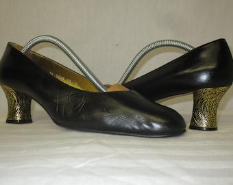 a5a634e9961 Vintage ESCADA Black Leather Ornate Gold Heel Pumps Size 10