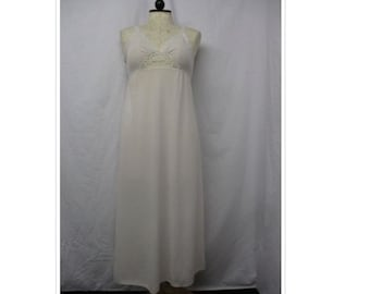 a96a825348b0 Vintage Miss Elaine Long White Goddess Lace Nightgown Size Large