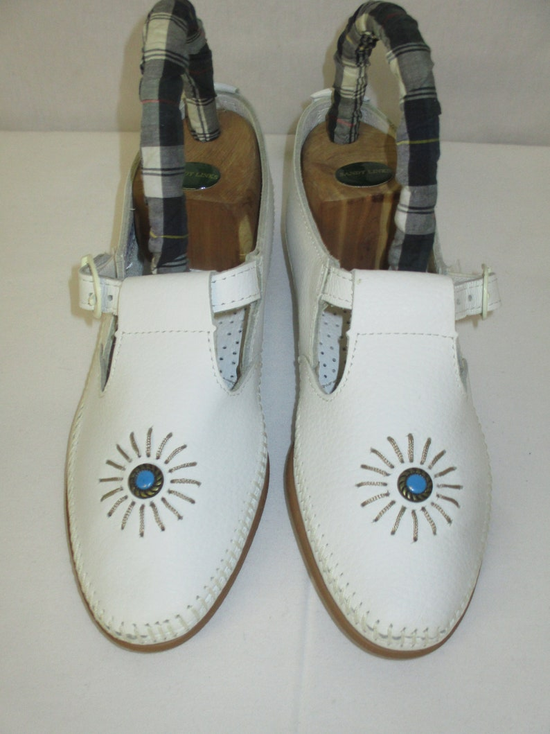 Vintage Minnetonka Moccasins UNWORN White Leather Mary Jane Shoes Size 8