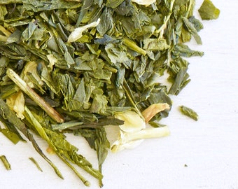 PEACH GREEN TEA - Organic Tea, Fragrant hints of jasmine mix lightly w/ delicious sweet peach, a sweet & subtle tea to indulge yourself in