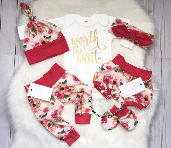 b7048938ac45 Coming Home Baby Girl Outfit Newborn Girl Outfit Baby Bloomers