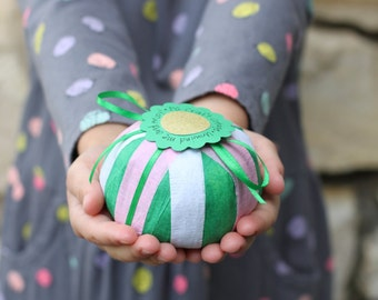 Surprise ball, gift exchange, treasure ball, gift ball, prize ball, party favor, gift under 20, stocking stuffer