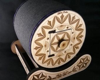"""Dentelière tile model """"Tambour du Queyras""""."""
