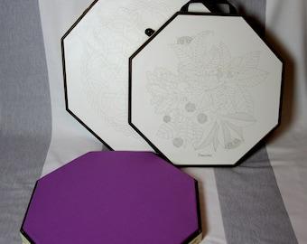 Dentellière tile with lid