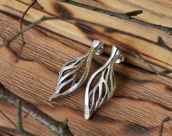 Sterling silver leaf stud earrings - Botanical earrings - Fairy earrings - Twig earrings - Forest jewelry - Elvish earrings