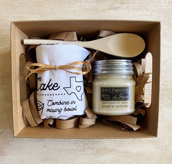 Country Kitchen Tea Towel & Candle Gift Basket