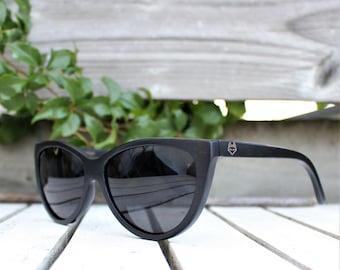 200184034f Cat eye sunglasses