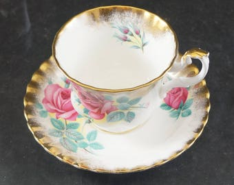 ROYAL ALBERT Fine Bone China Cup and Saucer Sweetheart Roses ELIZABETH